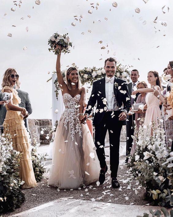 Kiss Wedding Planner Cách Chọn Váy Cưới (1)